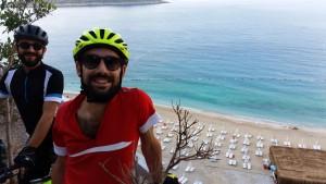İlk durağımız belediyenin bir işletmeye çevirip yapılaşmaya giderek doğal güzelline gölge düşürdüğü ünlü Kaputaş Plajı oldu.